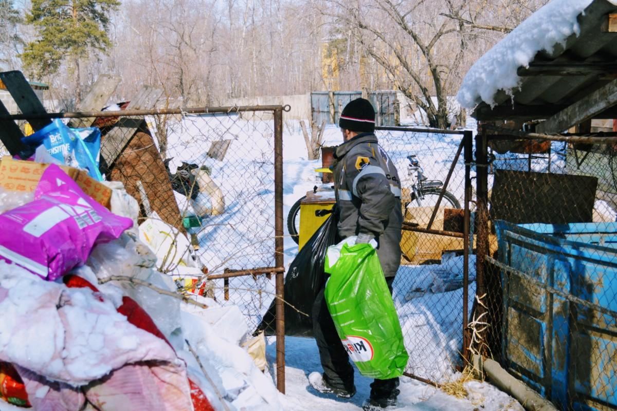 Фото отчет: уборка территории БФ Право на жизнь